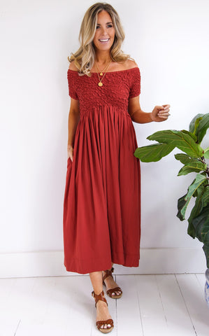 SCRUNCH DRESS - BURNT RED
