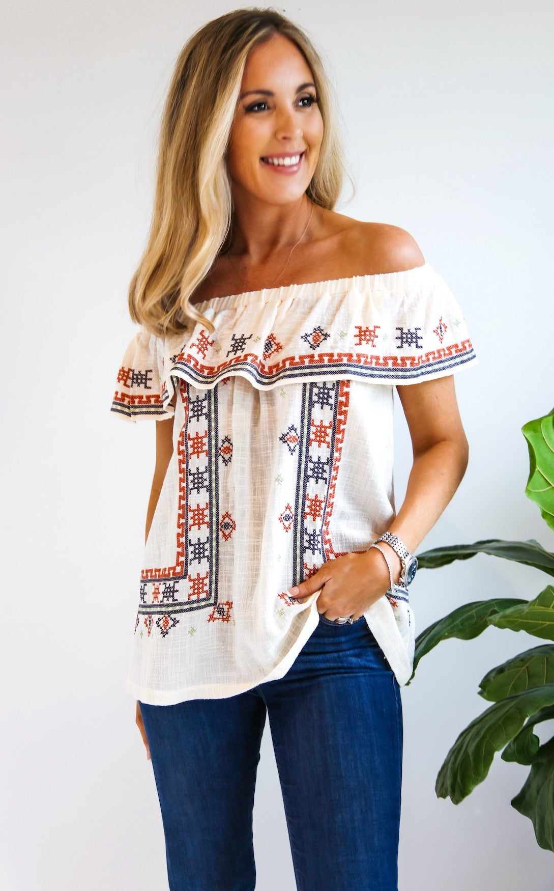 ROCKVILLE EMBROIDERED TOP
