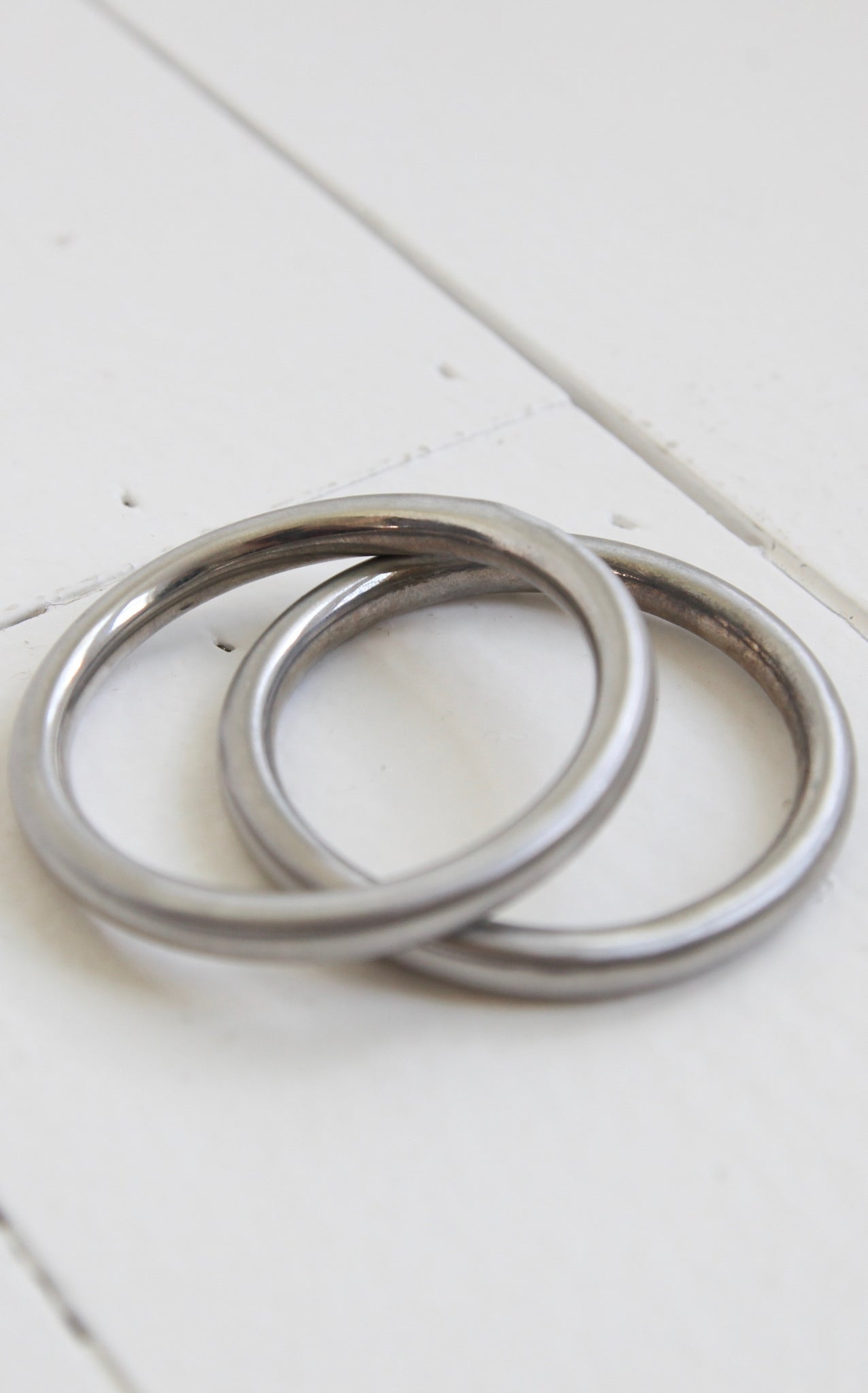 METALLIC BANGLE - SILVER