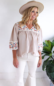 MAGNOLIA EMBROIDERED TOP