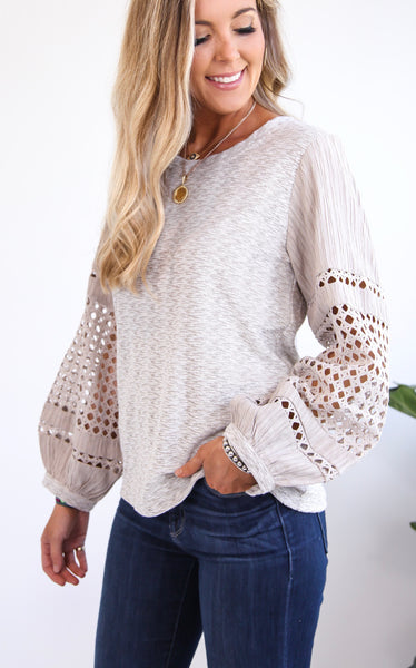LACE SLEEVE TOP - TAUPE