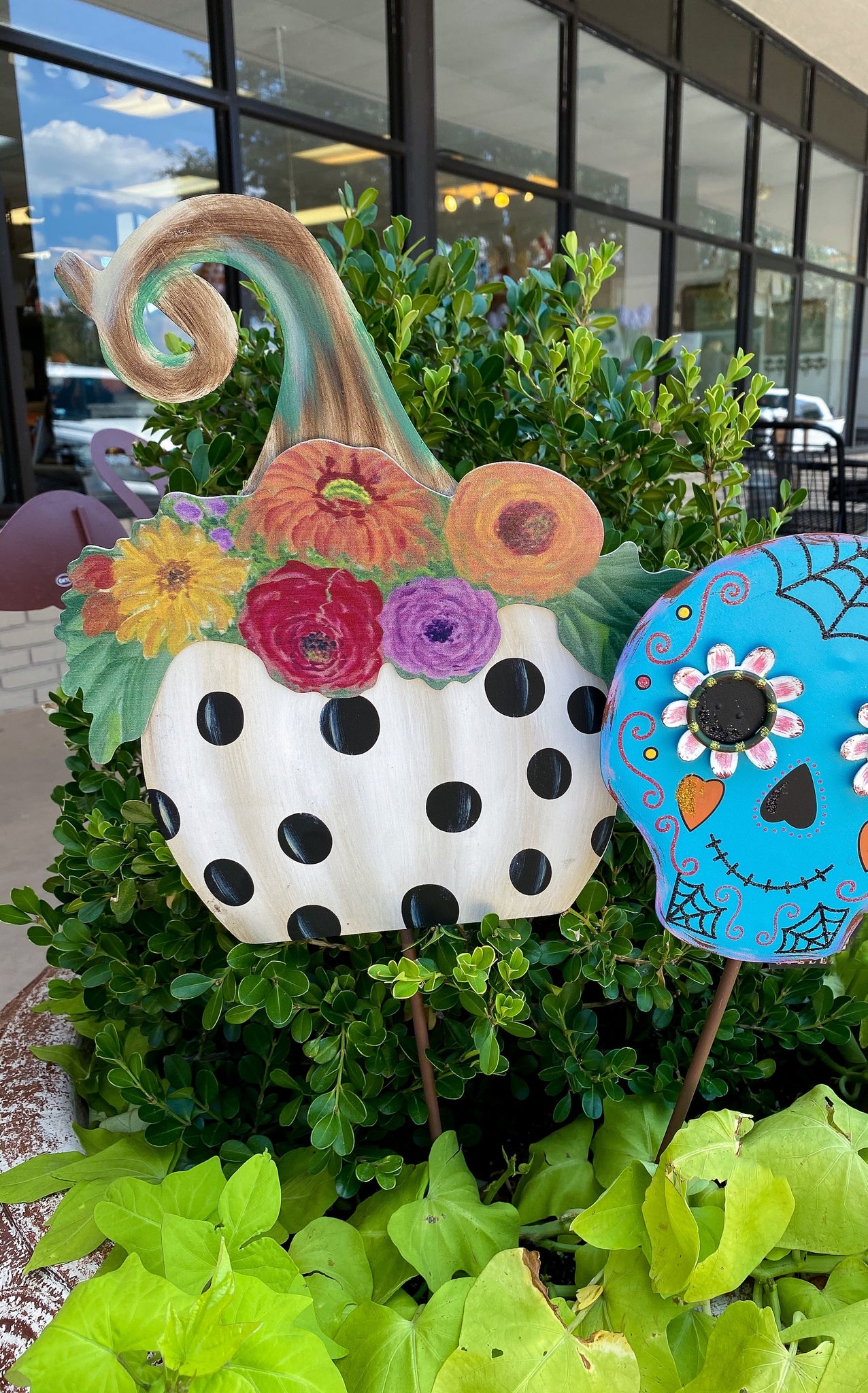 DOT FLORAL PUMPKIN STAKE + INCLUDES SHIPPING