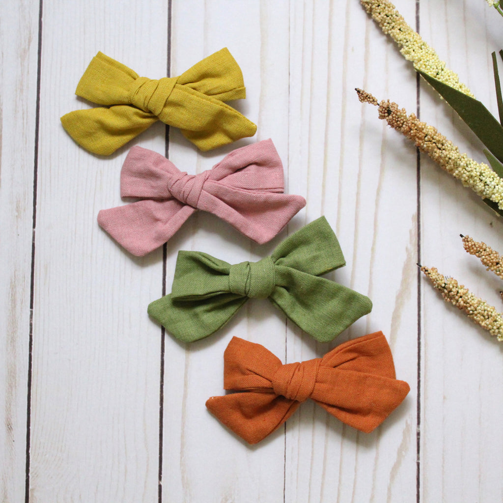 Mabel Linen Clip Bow