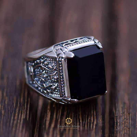 Chevalire For Man In Obsidian And Silver
