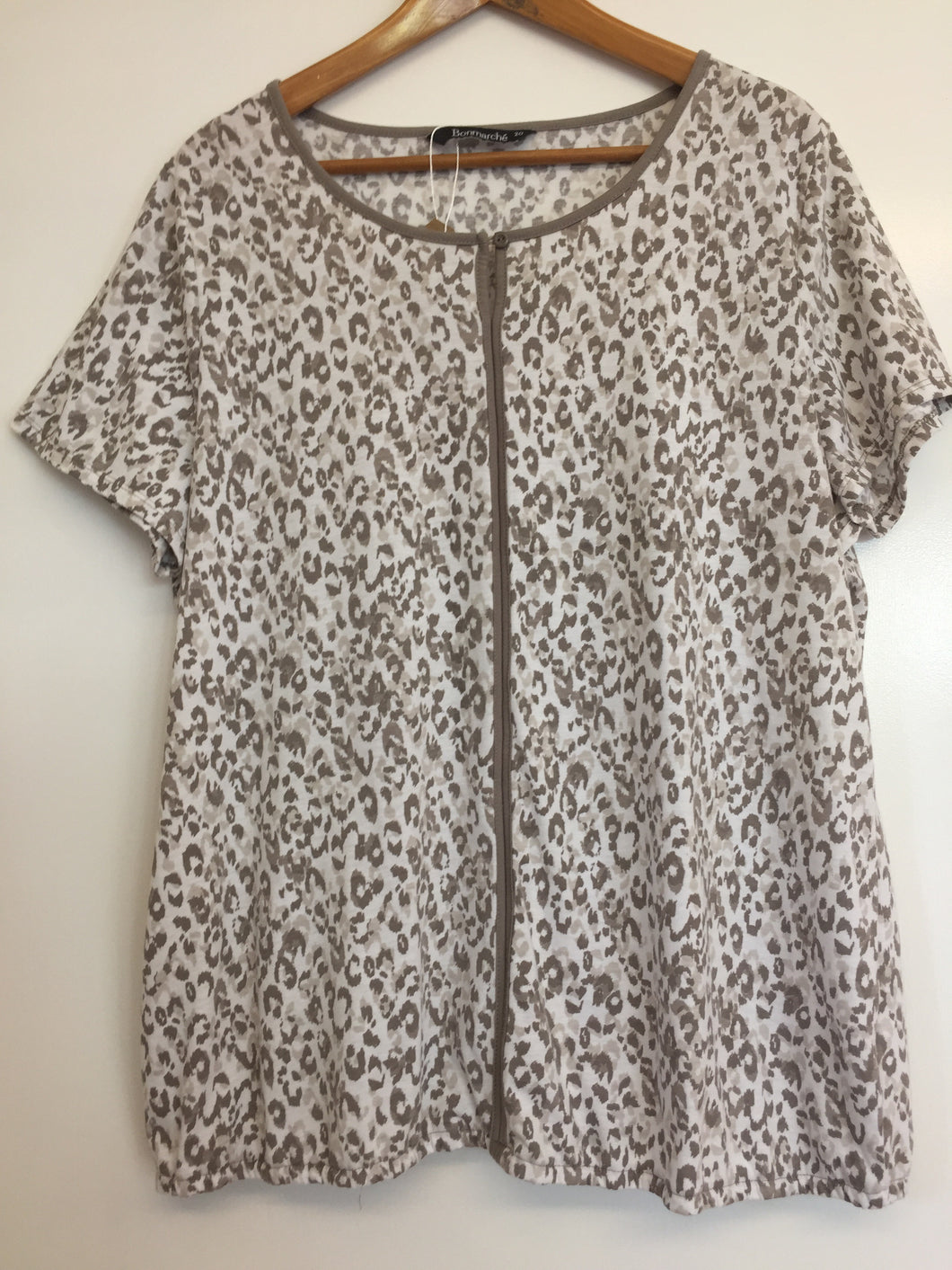 Bon Marche Animal Print T-shirt Size 20