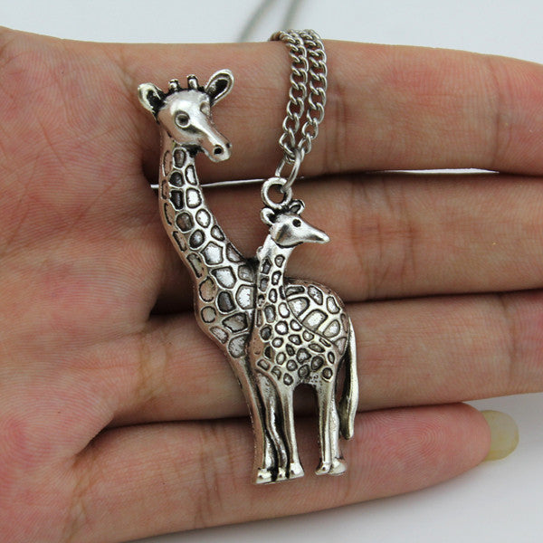 Hot selling giraffe necklace spaliciously 2017 new hot sell diy women jewelry vintage silver mothers love giraffe pendant necklace 26 aloadofball Choice Image
