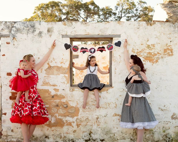 rockabilly party bunting | 7 pennant