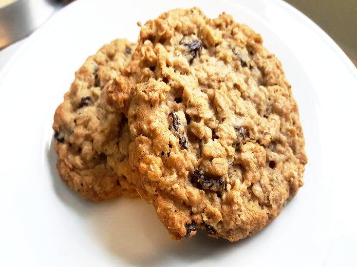 Oatmeal Raisin Cookies (2 pack)