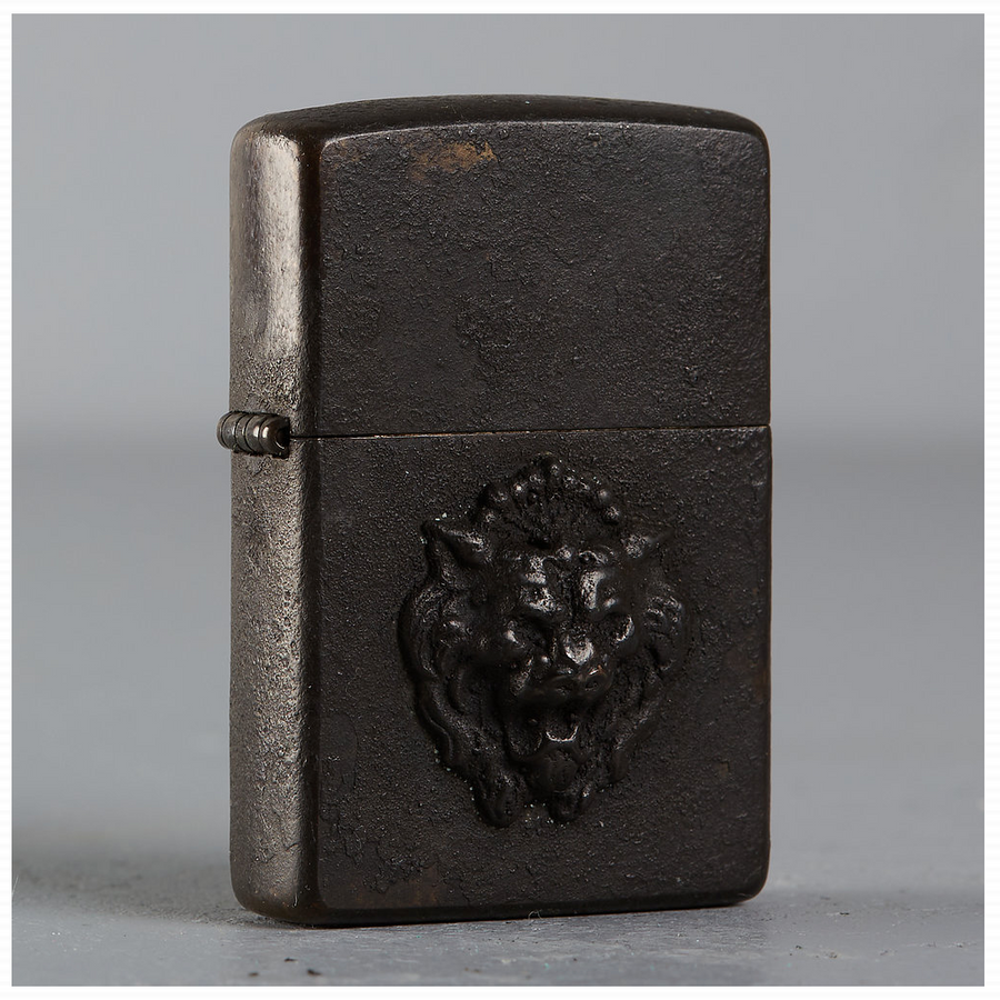 Hartaufhurt Zippo Lighter Black Distressed Lion