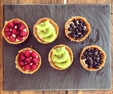 Coconut tart with yogurt and fresh fruit