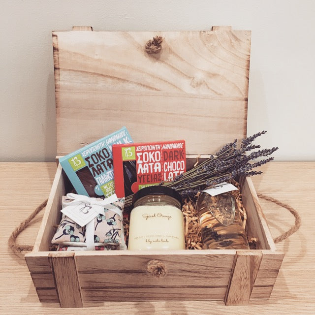 WOODEN WINTER BOX
