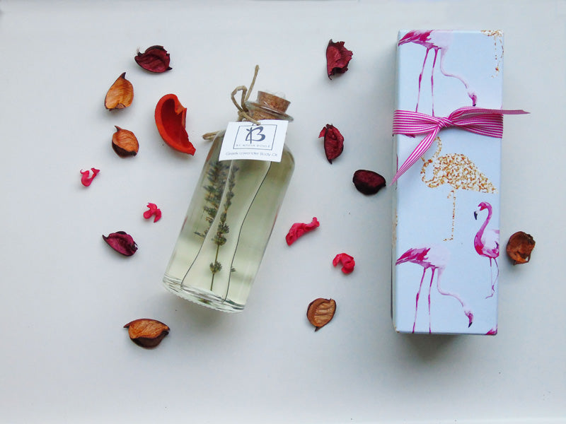 GIFT BOX - ORGANIC LAVENDER BODY OIL