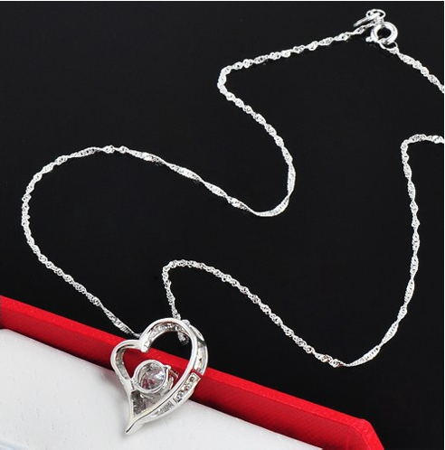 Exquisite Crystal Love Heart Pendent Necklace - Sohaila's Boutique of Treasures