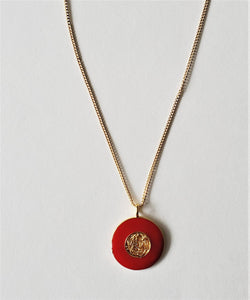Red moon pendant chain