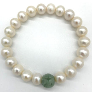freshwater pearl bracelet with jade bead is perfect for gift giving