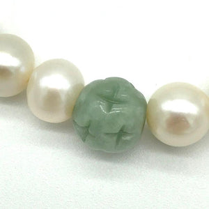 jade bead closeup shows detail and quality in our freshwater pearl & jade bracelet