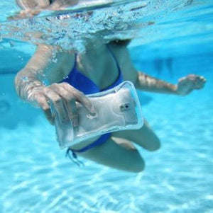 Take pictures under water with Waterproof Mobile Phone Case