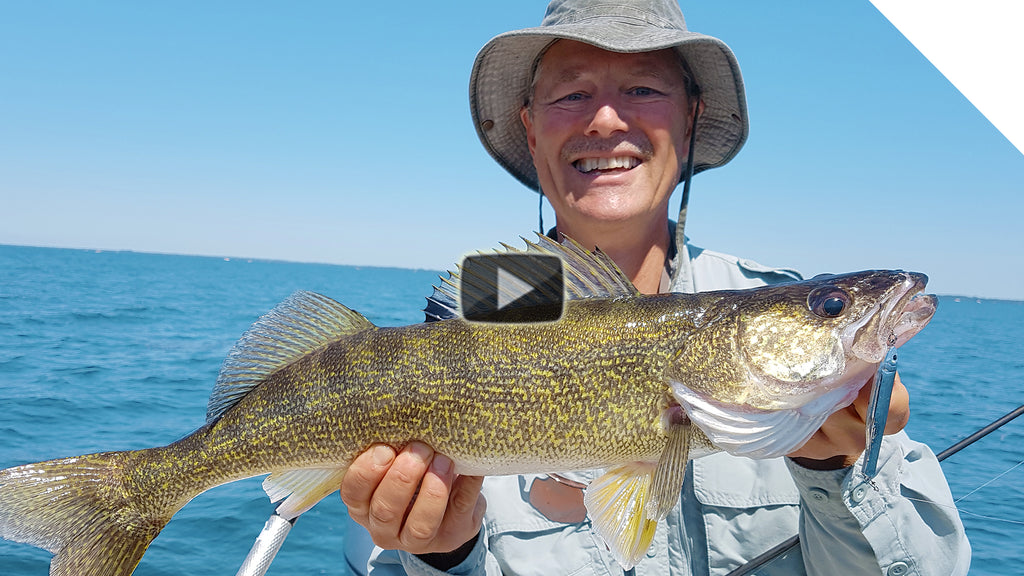 How to catch walleye while jigging