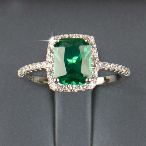 Natural Emerald Wedding Engagement Ring