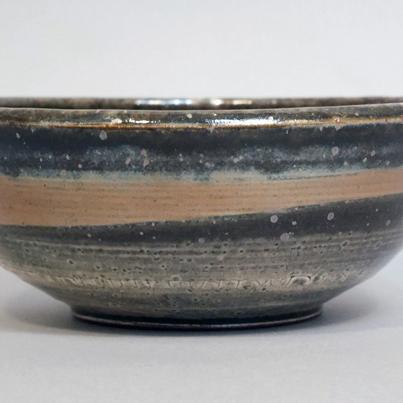Small shino bowl