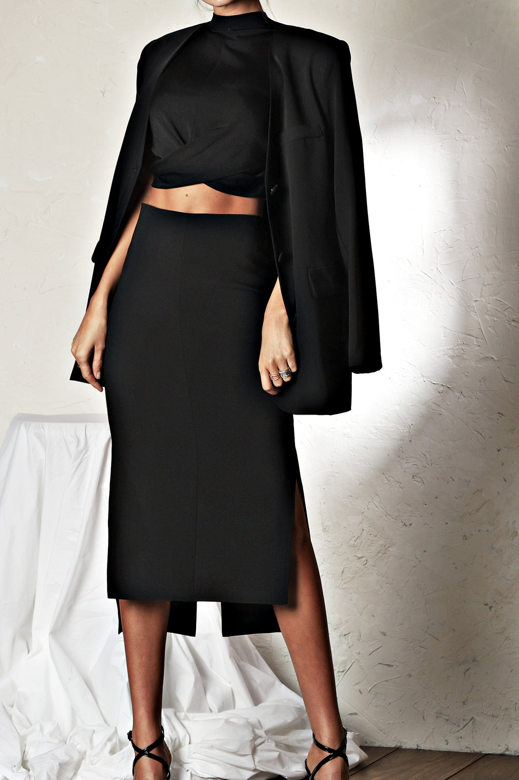 The Figure Skirt - Black