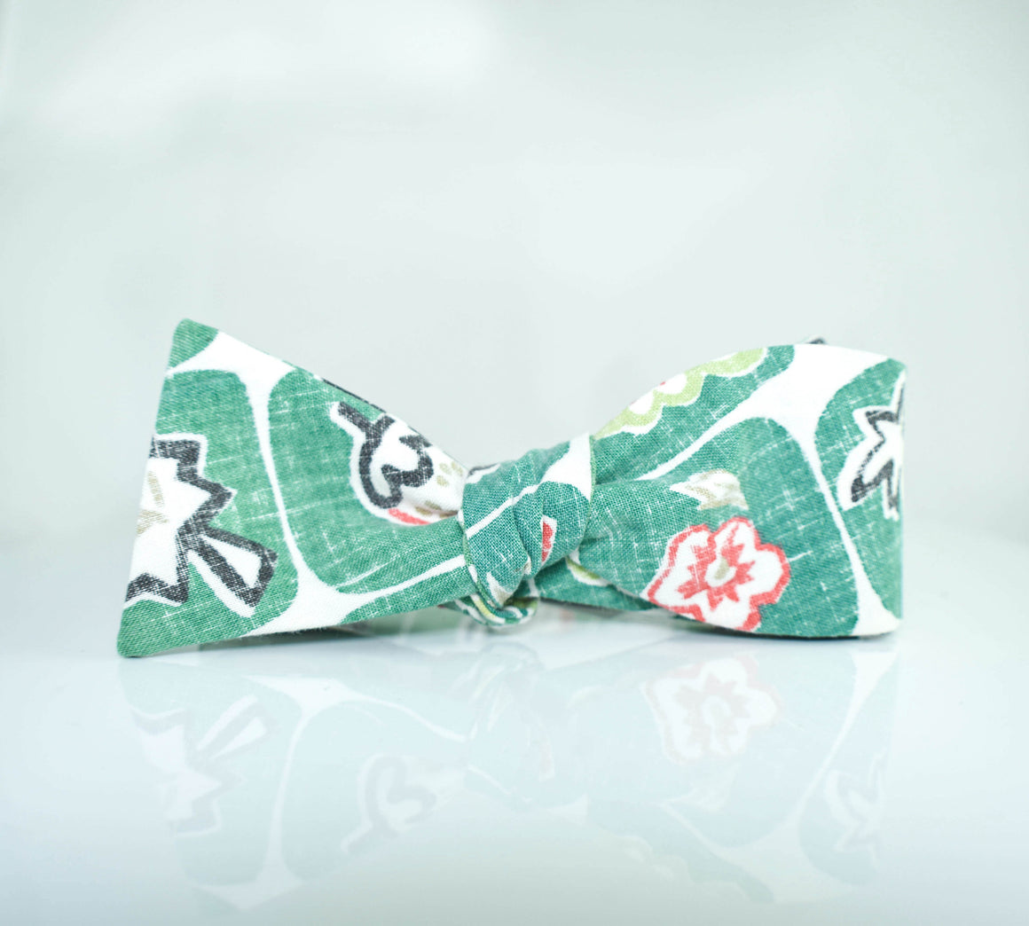 Fruit Loops - vintage bow tie
