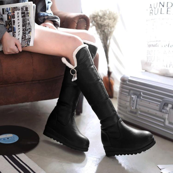 [Ready Stock] Black/White/Red Faux Fur Winter Warm Boots K310