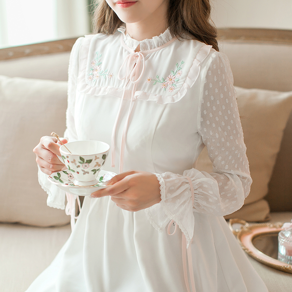 Japanese Autumn Slim Embroidered Chiffon Long Sleeves Dress