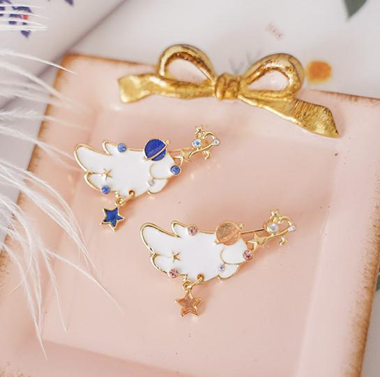 Pink/Blue Lovely Moon Wings Brooches Pin
