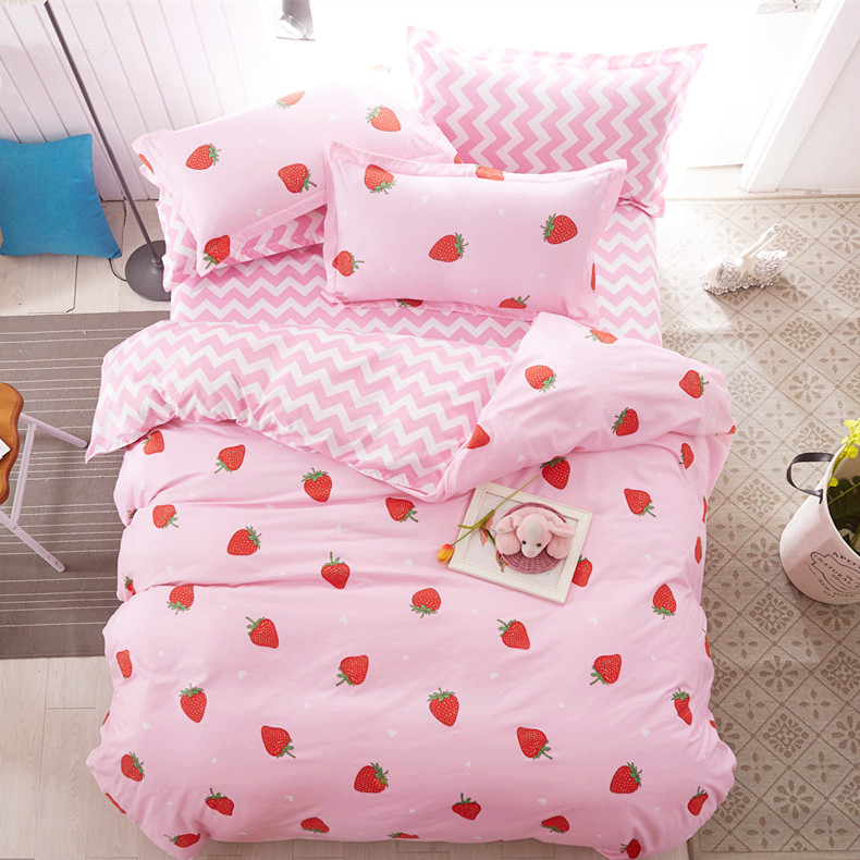 Pink Sweet Strawberry Printing Bed Sheet Set 4 Pieces