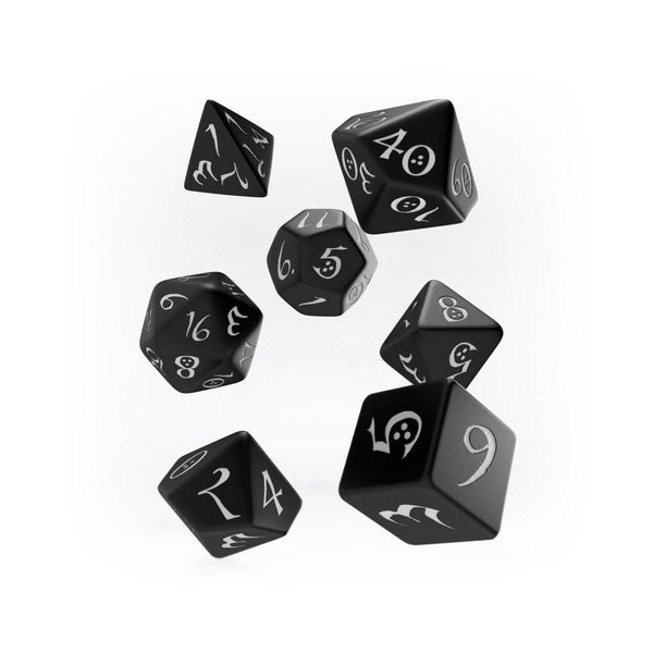 Q-workshop Classic 7 Dice Set - Black & White - Imaginary Adventures