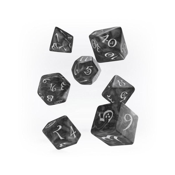 Q-workshop Classic 7 Dice Set - Smoky & White - Imaginary Adventures