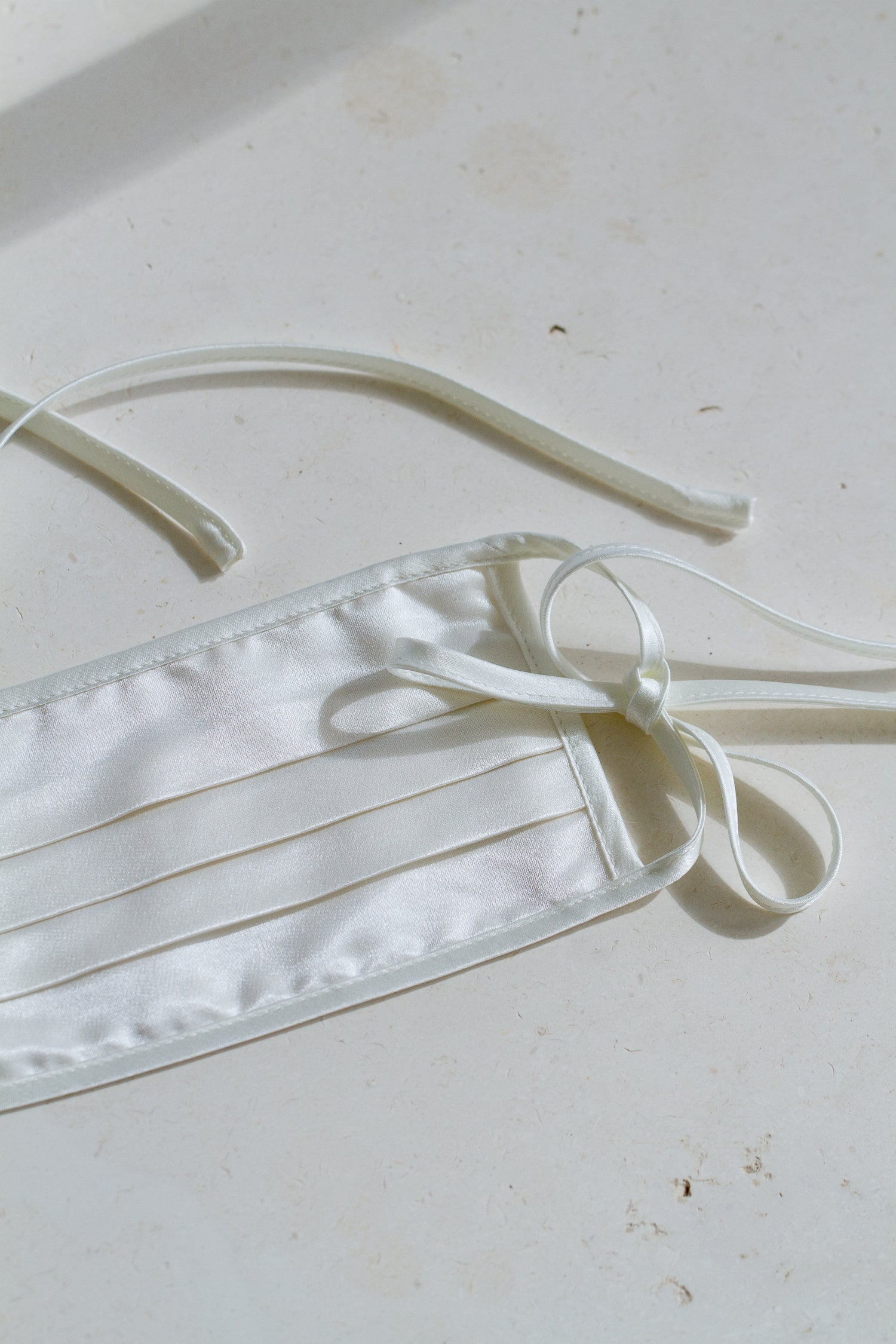 Face Mask with Ties - Off-White Satin