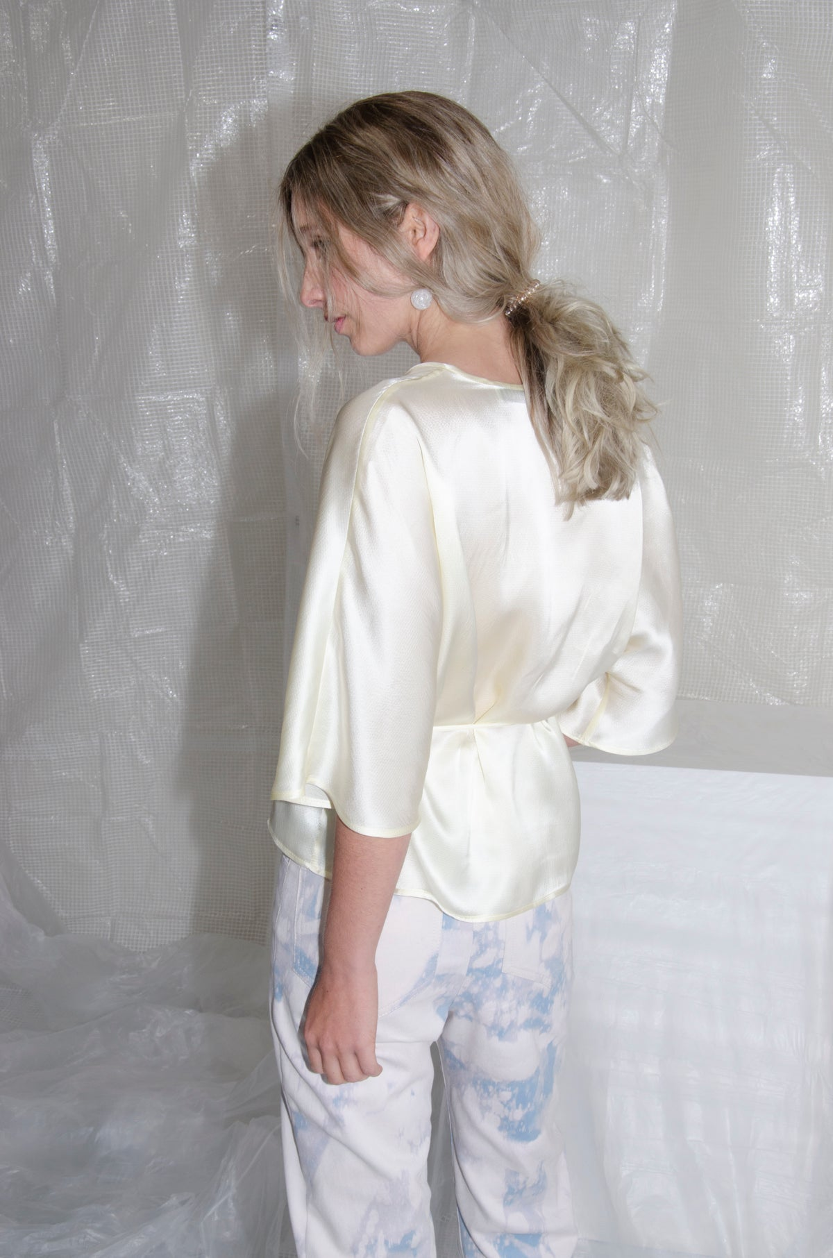 Buttermilk Reversible Hammered Silk Wrap