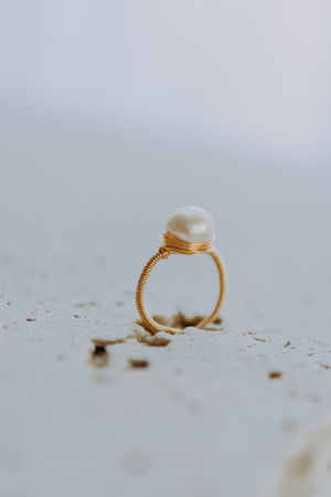 BAROQUE PEARL RING: SINGLE