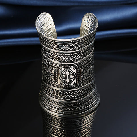 1PC Boho Ethnic Indian Vintage Tibetan Silver Plated Open Cuff Bangle Fowers Carving Womens Bracelet Hand Jewelry Darker - onlinejewelleryshopaus