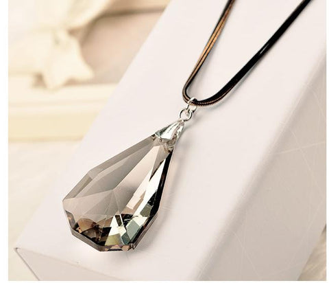 2016 New Arrival Women Pendant Necklaces Sweet Temperament All-match Long Summer Crystal Necklace Pendant Wholesale - onlinejewelleryshopaus