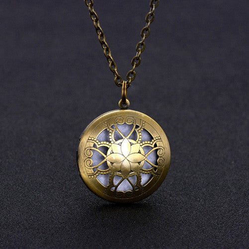 Necklaces and pendants pendant necklaces wholesale 10pcs 32mm round wholesale 10pcs 32mm round essential oil diffuser filigree locket necklace with colorful diffuser pads for aromatherapy mozeypictures Gallery