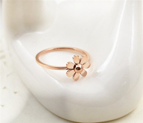 2016 New Arrival Rose Gold Plated Daisy Wedding Rings Accessories Titanium Steel Fine Jewelry Woman Gift Wholesale Free Shipping - onlinejewelleryshopaus
