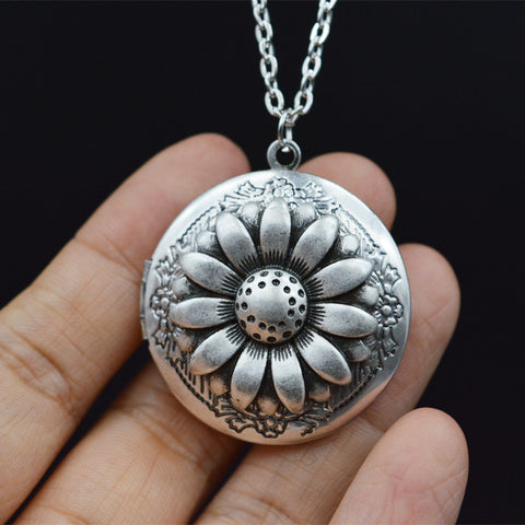 1pcs Daisy Lockets Pendant Charm Memory Lockets Necklace Christmas Gift For Wife Sister Bride Bridesmaid Wedding Jewelry XSH259 - onlinejewelleryshopaus