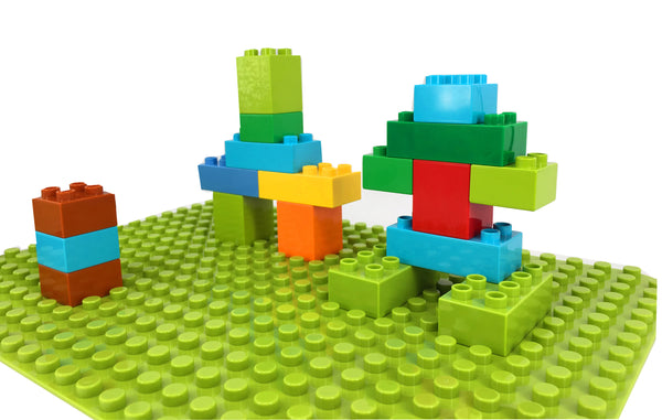 "LEGO Duplo Baseplate 15"" X 10"" ( 24 x 17 studs) Light Green"