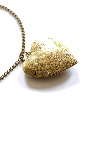 Corazon Locket
