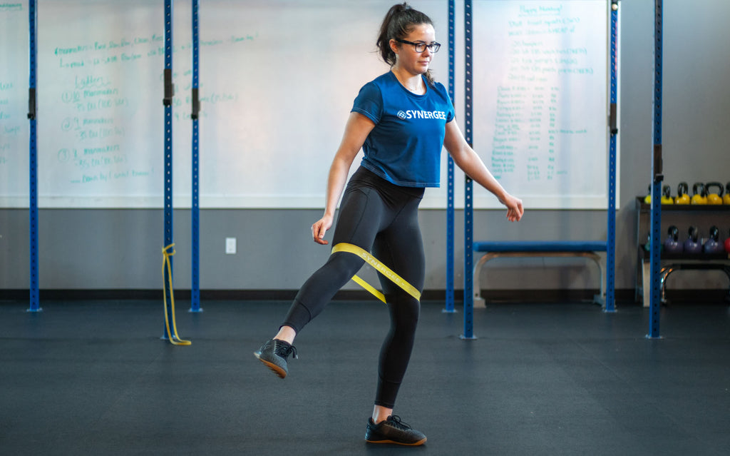 FIGHT KNEE PAIN: 5 Knee Strengthening Moves to Help Combat it