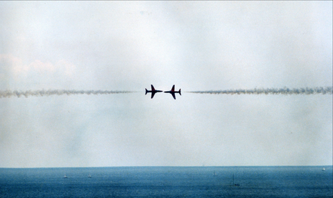 Red Arrows by Andy Scaysbrook