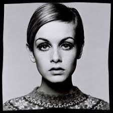 Photo of Twiggy by Brian Duffy