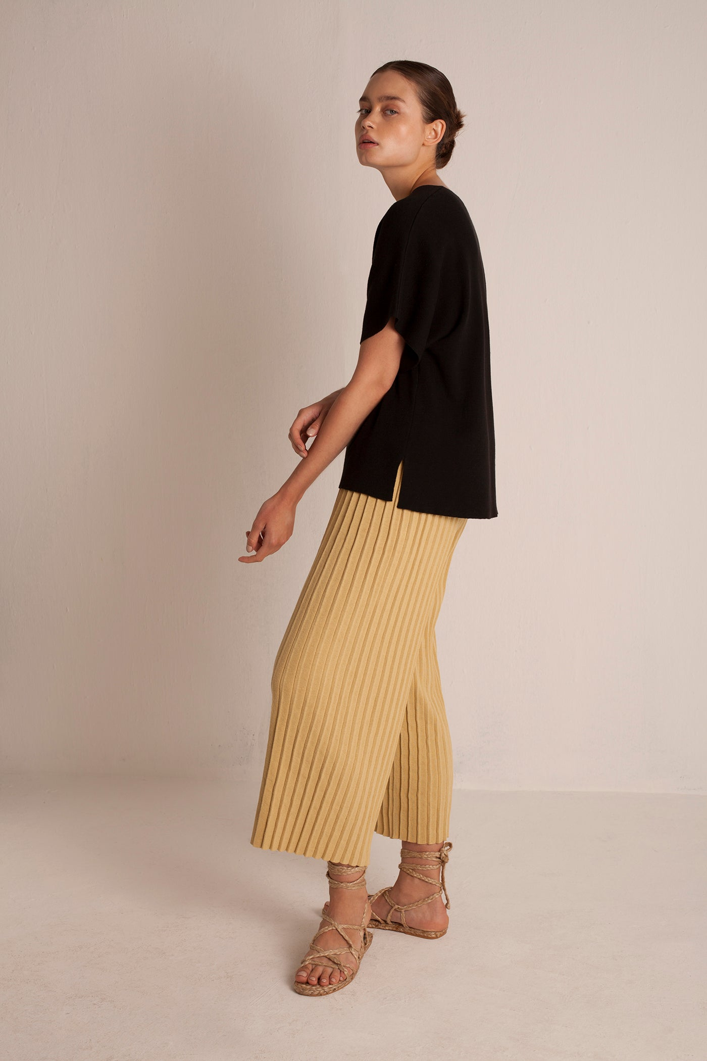 Linen Pleated Pants - Straw