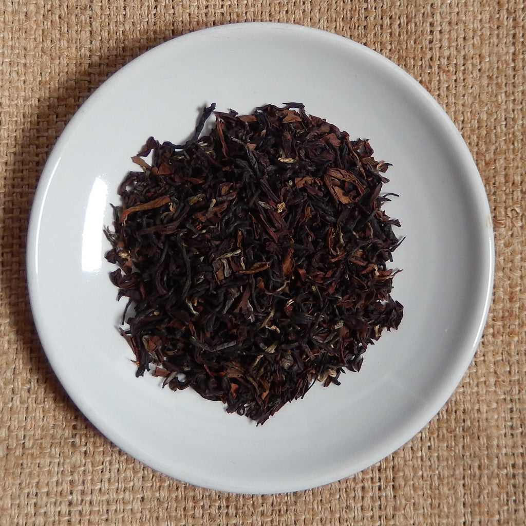 BLACK TEA LEAVES: Darjeeling Sungma Estate Loose Leaf Tea - black - Down East Coffee Roasters