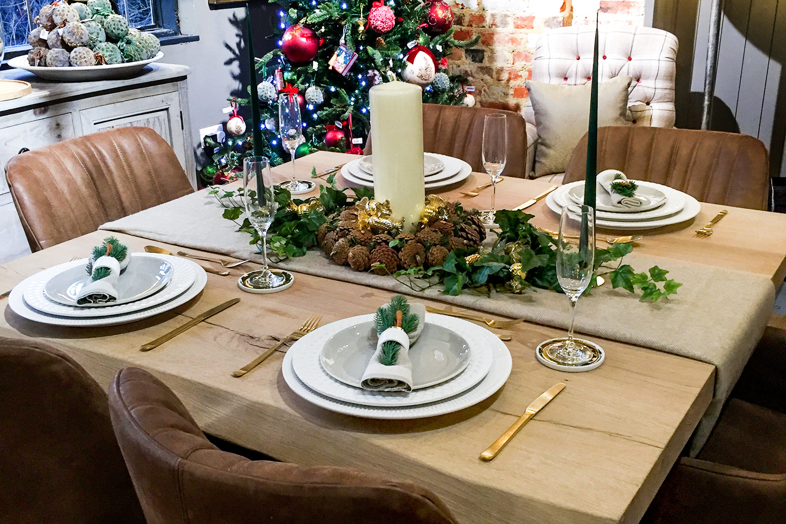 christmas dining table decor