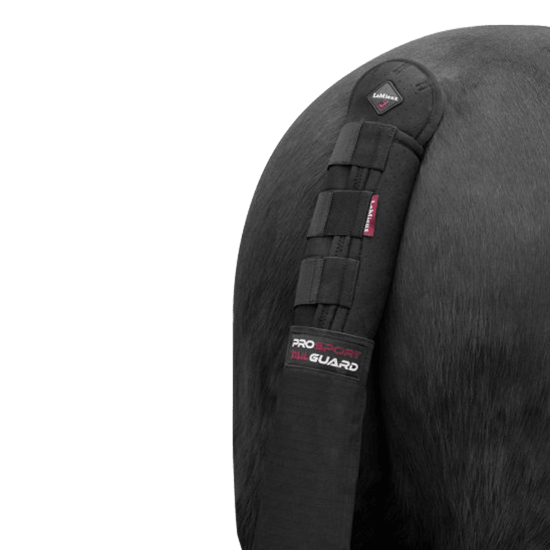 Tail Guard with Bag by Le Mieux