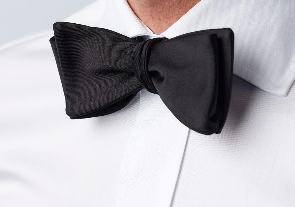 The Black Monroe Bow Tie Tie- Ledbury